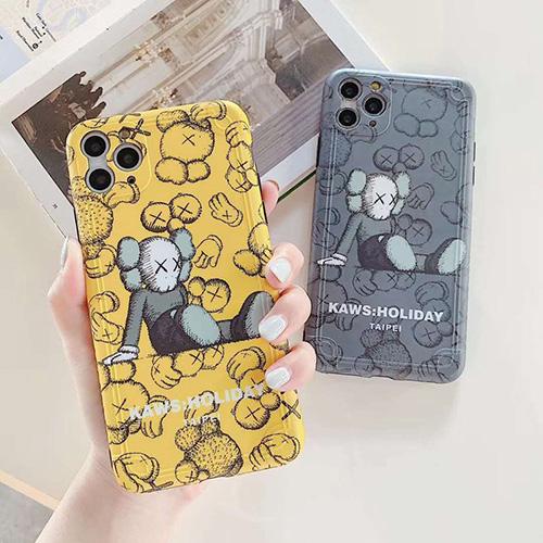 Kaws iphone 8/7 plus/se2/12カバー メンズ レディースiphone x/xs/xs max/xrケースカバーiphone11/11 pro maxジャケットスマホケース コピー